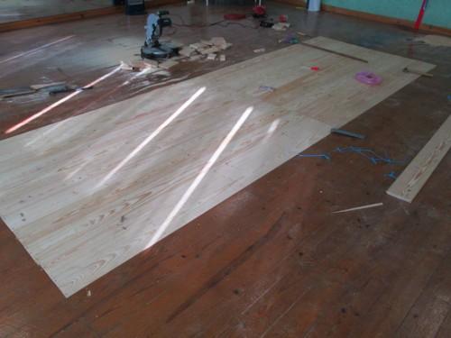 portfolio 6/12  - Varias etapas da reparação de um salão de dança