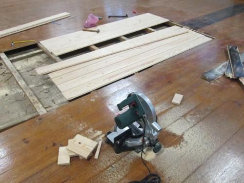 portfolio 3/12  - Varias etapas da reparação de um salão de dança