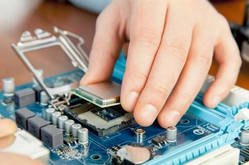 portfolio 6/8  - Reparação de computadores: hardware e software, instalação de redes wireless e cabo, formação de Software na óptica de utilizador.