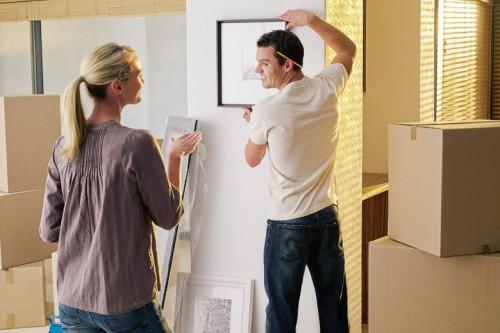 portfolio 3/8  - Montagem e colocação de objectos variados: cortinados, quadros, LCD's, plasmas... Montagem de móveis, candeeiros e afins.