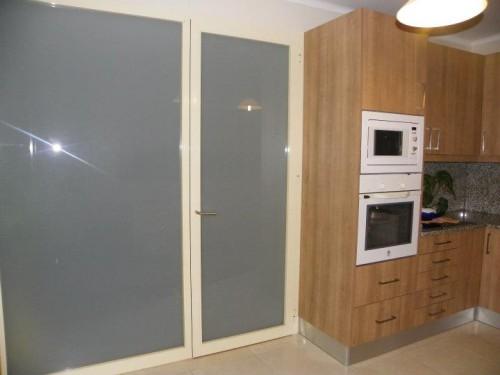 portfolio 182/188  - divisória de cozinha em vidro fosco laminado