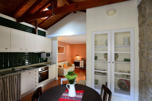 portfolio 10/15  - Remodelação cozinha em predio da baixa de Porto