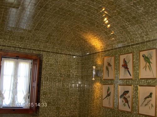 portfolio 6/9  - casa de banho com azulejo e tecto em abobada