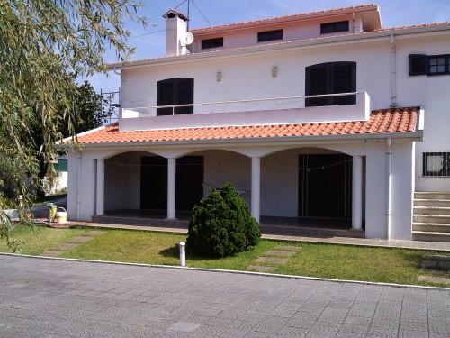 portfolio 383/449  - Reabilitação de moradia em Paços Brandão