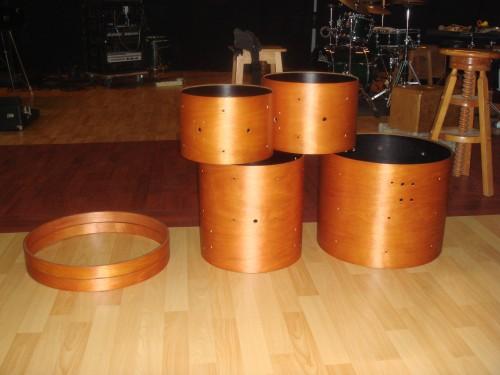 portfolio 4/10  - Peças curvas inteiras em madeira maciça utilizada em timbalão de bateria. Parts curves whole solid wood used in tom drums. www.arus.pt