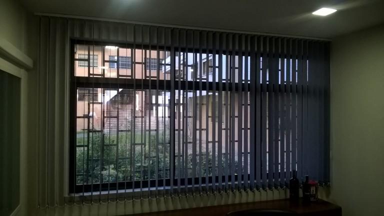 portfolio 11/33  - Estores de telas verticais 89mm, ideal para escritórios.