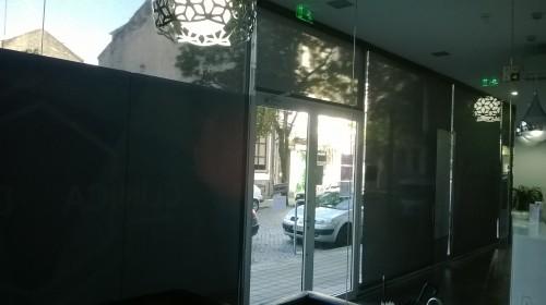 portfolio 33/33  - Clínica no Porto (Estores de rolo e painel deslizante)