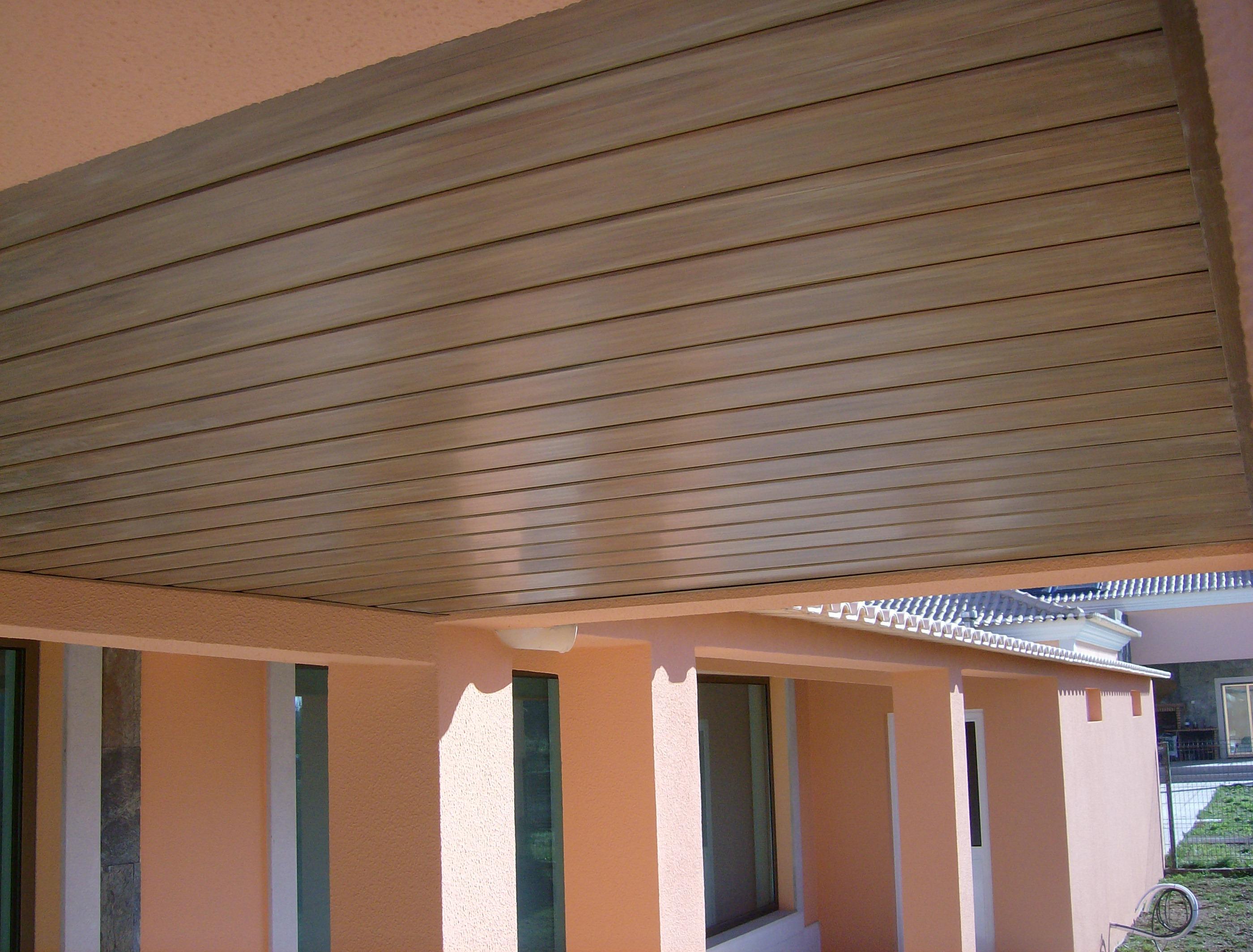 portfolio 36/44  - Construção de garagem e telheiro,em Cajados