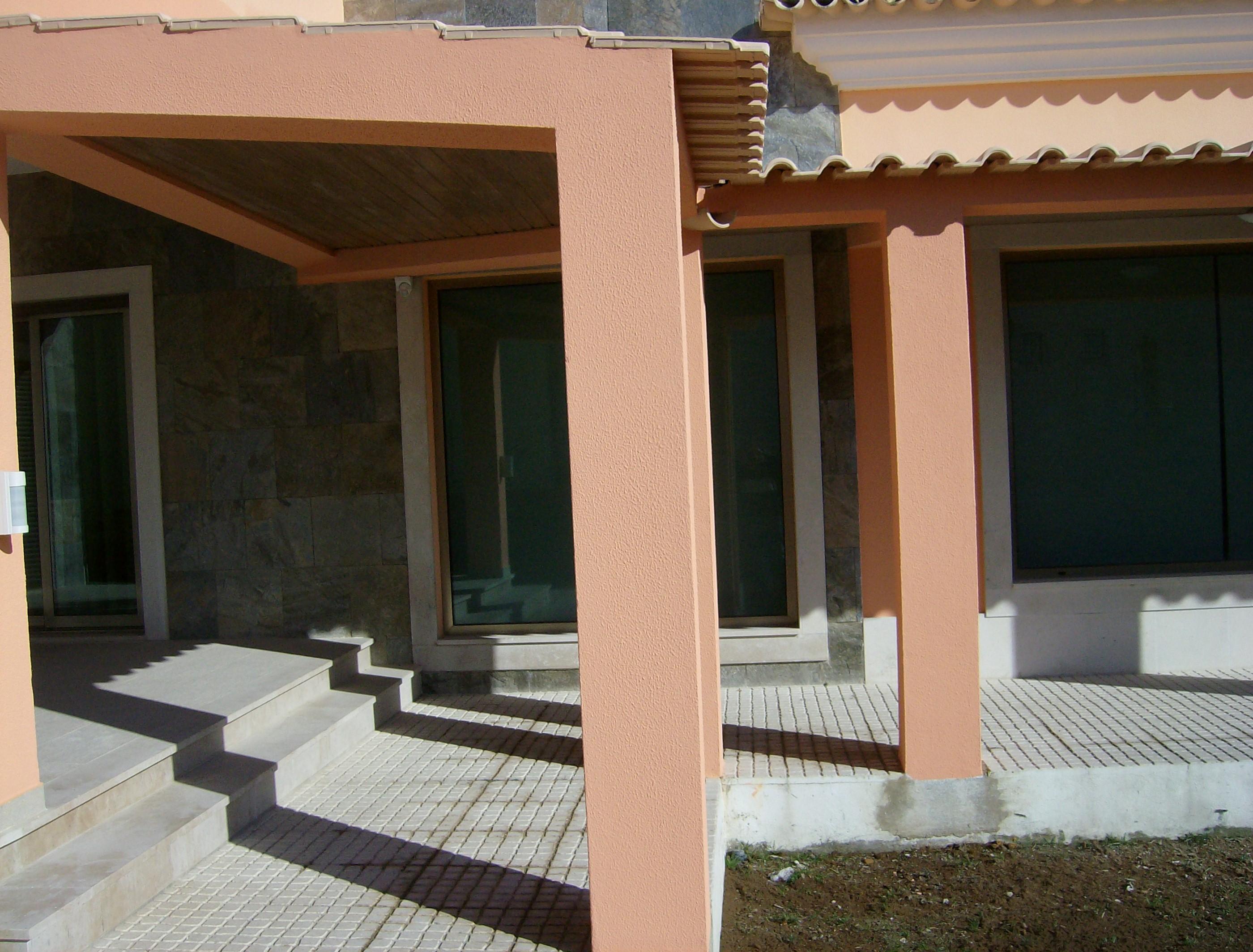 portfolio 33/44  - Construção de garagem e telheiro,em Cajados