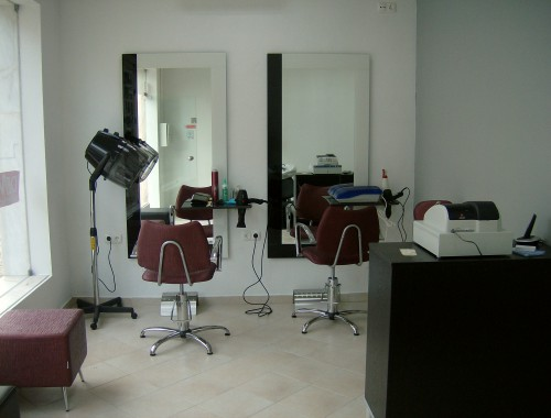 portfolio 42/44  - Remodelação de cabeleireiro em Setúbal