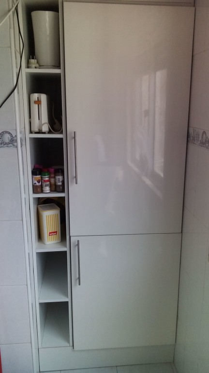 portfolio 67/140  - Encastramento de frigorífico e fabricação de móvel de remate