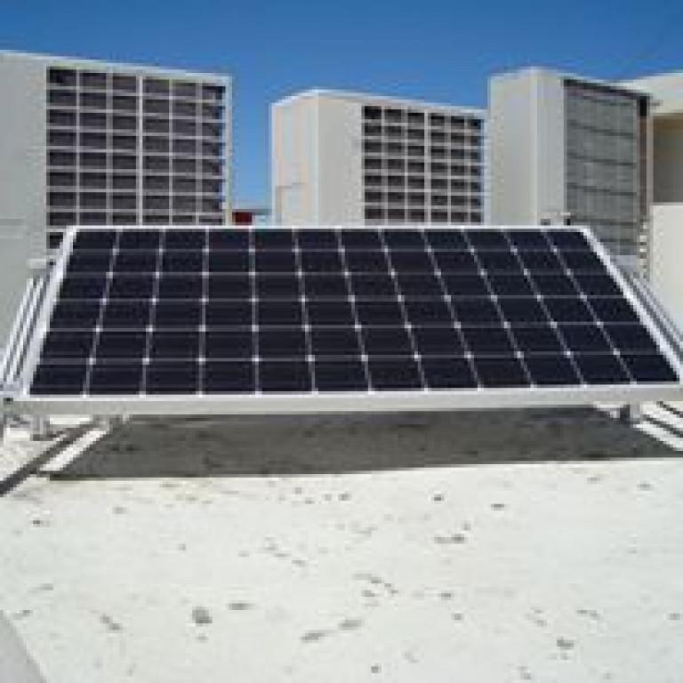 portfolio 2/7  - Sistema Solar Fotovoltaico Autoconsumo 200Wp