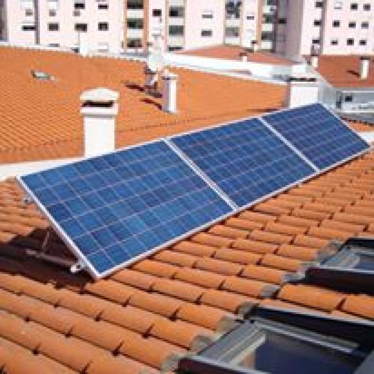 portfolio 3/7  - Sistema Solar Fotovoltaico Autoconsumo 750Wp