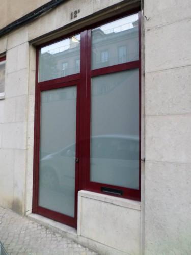 portfolio 12/19  - Porta de escritório + Montra em alumínio - Amoreiras