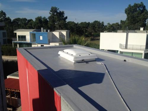 portfolio 5/5  - Impermeabilização em película contínua, aplicada directamente sobre tela betuminosa. Duração superior a 20 anos, permeabilidade ao vapor, hidro repelência.