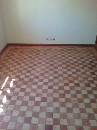 portfolio 30/41  - pavimento - pinho - mogno  em xadrez