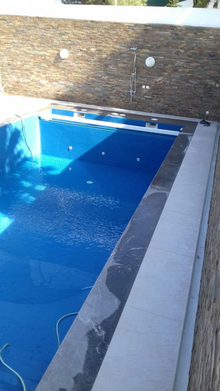 portfolio 9/41  - Recuperação de piscina e zona envolvente