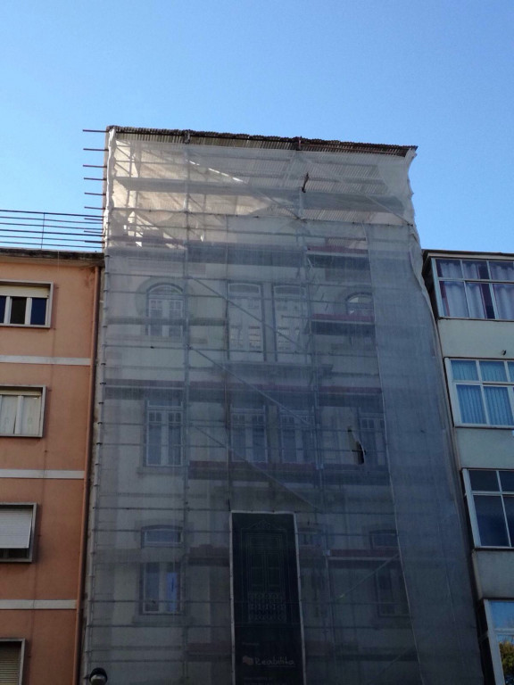 portfolio 5/41  - Pinturas de exterior - Praça do Faial, Lisboa