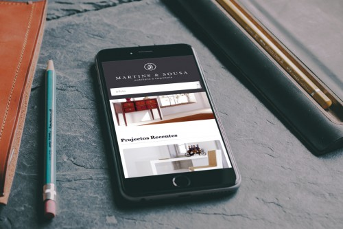 portfolio 1/17  - Desenvolvemos websites que se adaptam a diferentes dispositivos, perfeitamente optimizados para smartphones ou tablets.