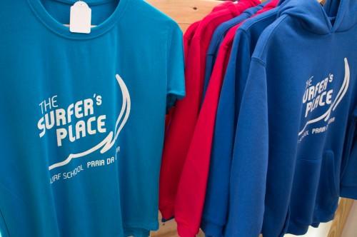 portfolio 12/27  - T-shirt / Escola de Surf